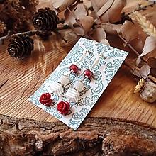 Náušnice - Nežné náušnice, červené keramické ruže, minerál, striebro - 10574309_