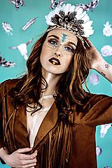 Ozdoby do vlasov - Bohémska čelenka z peria a eko kože - 10572638_