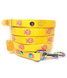 Pre zvieratká - Žlté kožené vodítko s ružovými lienkami - 10574528_
