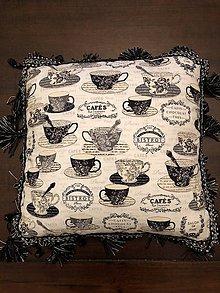 Úžitkový textil - Vankuš so strapcami - 10574840_