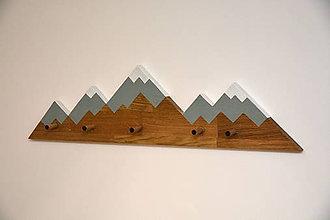 Nábytok - Drevený vešiak príroda - 10574881_