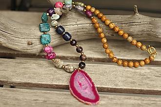 Náhrdelníky - Mohutný náhrdelník z mixu minerálov a plátkom achátu - 10574420_