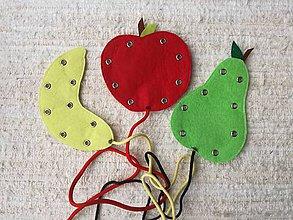 Hračky - Montessori prevliekačky ovocie. - 10571880_