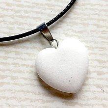 Náhrdelníky - Simple Gemstone Heart Necklace / Náhrdelník srdce s minerálom #2055 (Biely jadeit) - 10575539_
