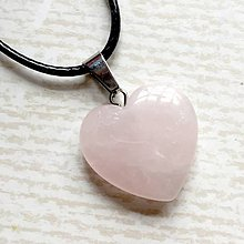Náhrdelníky - Simple Gemstone Heart Necklace / Náhrdelník srdce s minerálom #2055 (Ruženín) - 10575568_