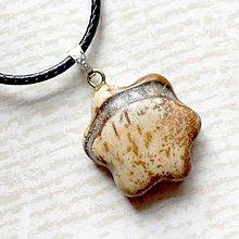 Náhrdelníky - Simple Gemstone Flower Necklace / Náhrdelník kvet s minerálom #2056 (Jaspis picasso) - 10575610_