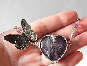Náhrdelníky - Srdce ametystu-z kolekcie Butterfly,tiffany - 10579448_