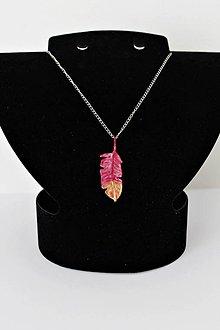 Náhrdelníky - Ružové pierko - 10578699_