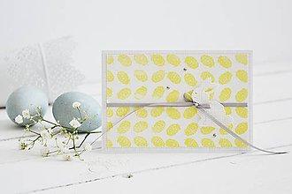 Papiernictvo - Veľkonočný pozdrav - žlté pierka so zajačikom - 10581094_