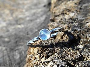 Prstene - Strieborný Prsteň s Akvamarínom - 10580627_