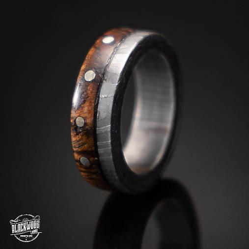 Damaškový prsteň -drevo a striebro