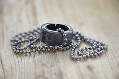 Náhrdelníky - Kovaný krúžok - 10581216_