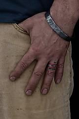 Náramky - Kovaný náramok z damascénské oceli - 10581251_