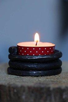 Svietidlá a sviečky - Kovaný svietnik - 10581093_