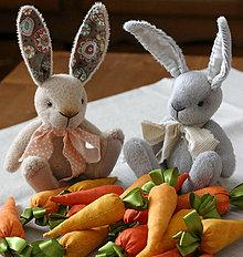 Dekorácie - zajačiky (Šedá) - 10580276_