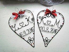 Dekorácie - Srdiečko s iniciálmi a dátumom (Červená) - 10580076_