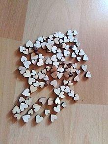 Galantéria - Mix malych drevených srdiečok - 10582660_