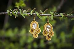 Zlatá Emma - soutache earring -ručne šité šujtášové náušnice