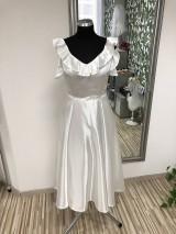 Šaty - Ivory saténové šaty s volánom - 10584448_
