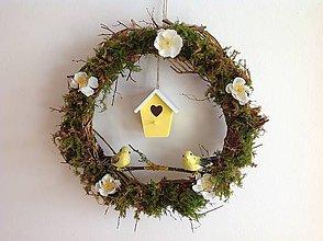 Dekorácie - Jarný veniec vtáčia búdka - 10583393_