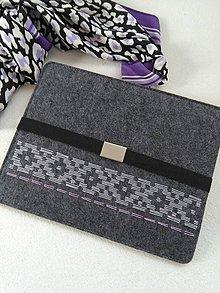 Na notebook - Do siva (ručne vyšívaný obal) - 10588343_