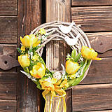 Dekorácie - Jarný venček na dvere - 10586870_