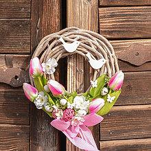 Dekorácie - Veľkonočný venček na dvere - 10587574_
