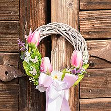Dekorácie - Jarný venček na dvere - 10588097_