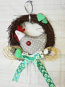 Dekorácie - Venček so sliepočkou... - 10587881_