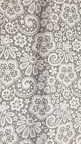 Textil - Biely motív krajky na šedom podklade š.140 - 10586947_
