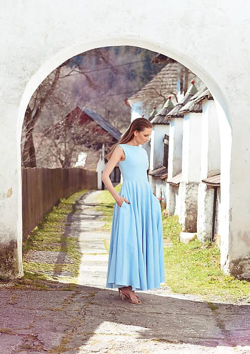 Šaty - Dlhé belasé ľanové šaty - 10594034_