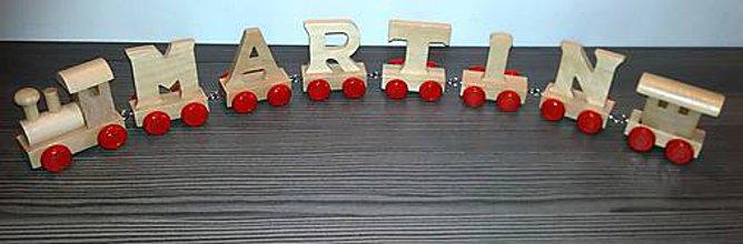 Hračky - Drevený písmenkový vláčik - červené kolieska - 10593709_