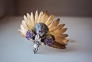 Ozdoby do vlasov - Glitrovaná korunka z mušlí vhodná na festival - 10593463_