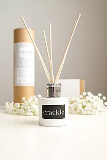 Svietidlá a sviečky - Vonný difuzér biely - Festive Cranberry - 10594270_