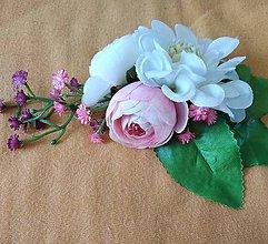 Ozdoby do vlasov - Bielo ružovkastý hrebienok s cyklamenovou gypsomilkou - 10592227_