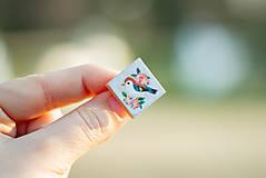 Odznaky/Brošne - Ručně malovaná brož s ptáčkem - mini - 10598443_