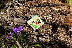Odznaky/Brošne - Ručně malovaná brož s ptáčkem - mini - 10598458_