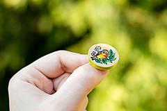 Odznaky/Brošne - Ručně malovaná brož s ptáčkem - mini kulatá - 10598470_
