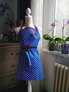 Iné oblečenie - Retro kuchynská zásterka (modrá/biele bodky/červená) - 10597725_