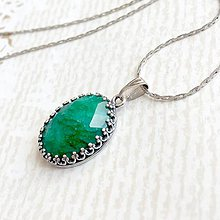 Náhrdelníky - Vintage Filigree Emerald Pendant / Filigránový prívesok s brúseným smaragdom #2067 - 10596140_