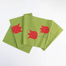 Úžitkový textil - Prestieranie / štóla zelená s červenými tulipánmi - 10596981_