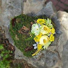 Dekorácie - machové jarné srdce na hrob - 10596055_