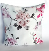 Úžitkový textil - dekoračný vankúš magnolie na jemnom sivom - 10598035_