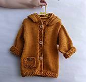 Detské oblečenie - Horčicový kabátosvetrík, dlhší sveter - 10597072_