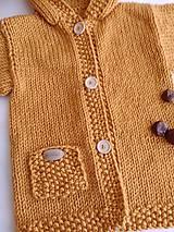 Detské oblečenie - Horčicový kabátosvetrík, dlhší sveter - 10597074_
