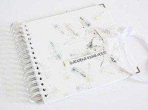 Papiernictvo - Svadobná kniha hostí - zelené pierka 20x20 - 10601833_