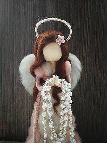 Dekorácie - Anjel z ovčej vlny k prvému svätému prijímaniu stojaty - 10600124_