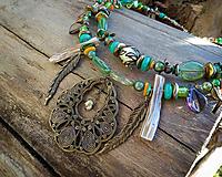 Náhrdelníky - Zelený boho náhrdelník - 10601786_