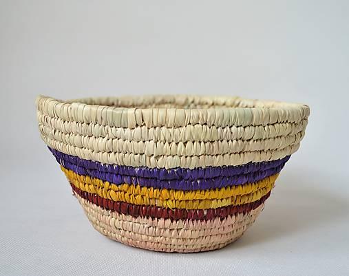 Blue fruits woven plate | Pletený palmový kôšík