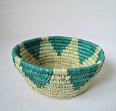 Košíky - Green fruits woven plate | Pletený palmový kôšík - 10602775_